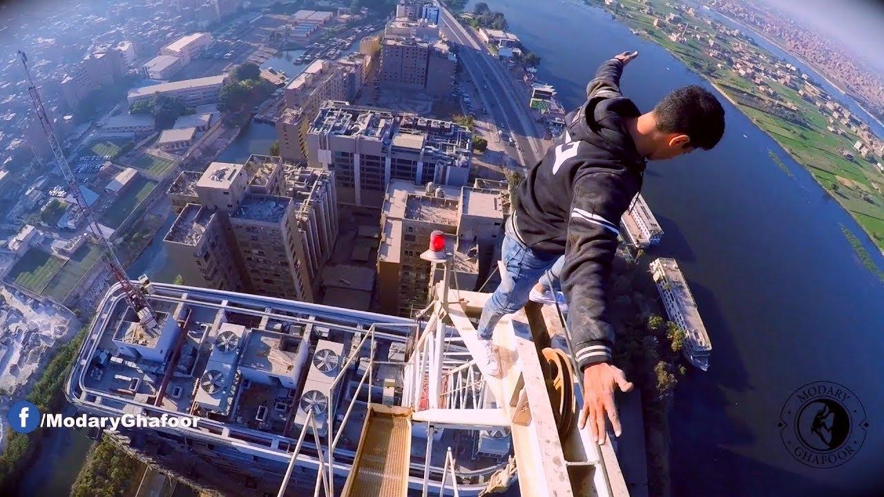 """تسلق حر علي أعلي قمة في كورنيش المعادي - Free climbing on the longest edge in """"Al Maadi"""""""