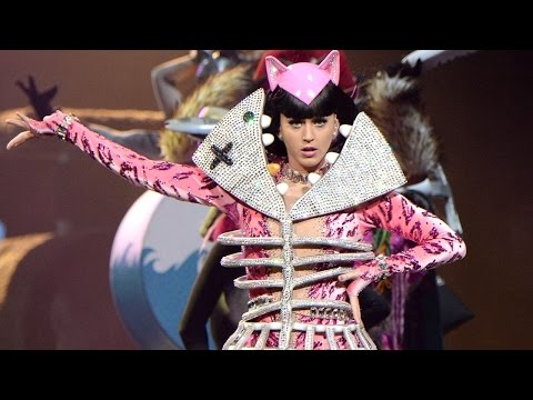 Katy Perry - Hot N Cold & International Smile & Vogue (Prismatic World Tour/EPIX) HD