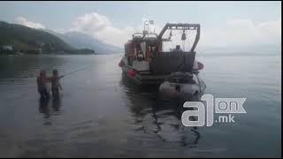 Автомобил падна во Охридско Езеро