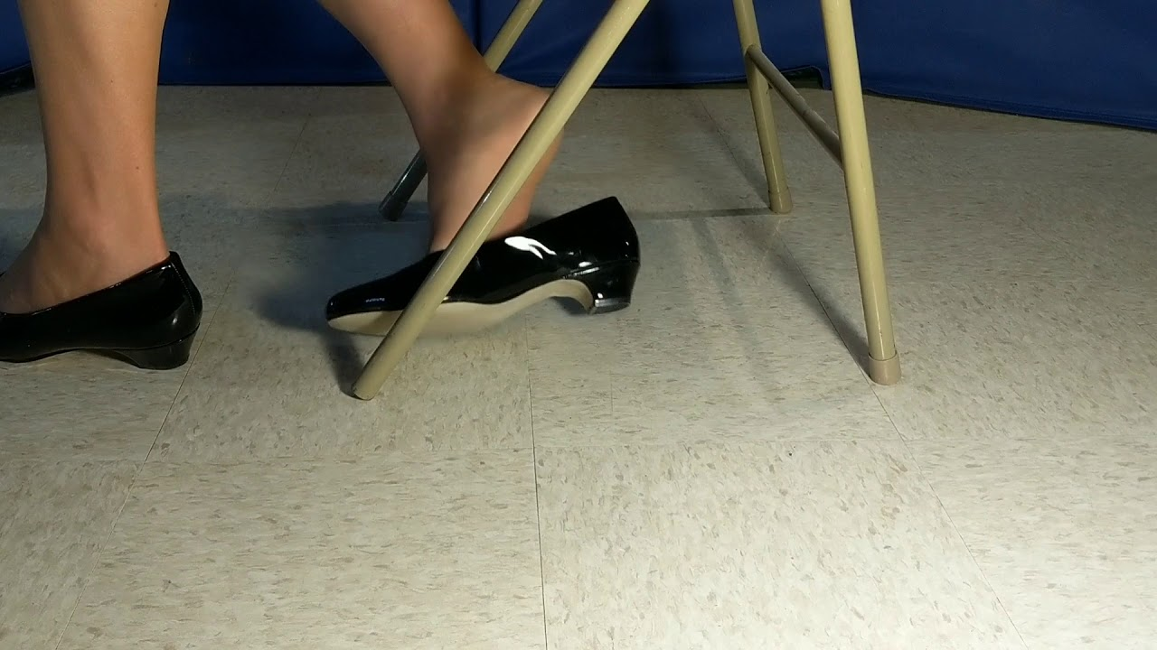 porno-shoe-dipping-black-pumps-videos-girls-getting
