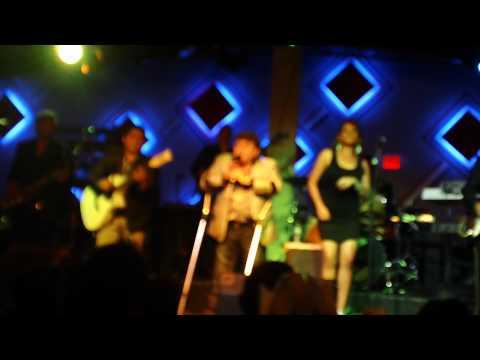Los Yonics En Columbus Ohio 2012(popurri De Cumbias)