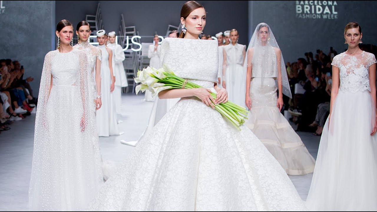 Vestiti Da Sposa Youtube.Abiti Da Sposa Jesus Peiro 2020 Per Una Donna Raffinata E Garbata
