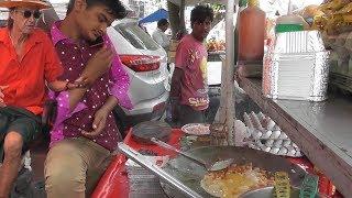 Young Man Preparing Egg (Anda) Bhurji | Delhi Street Food