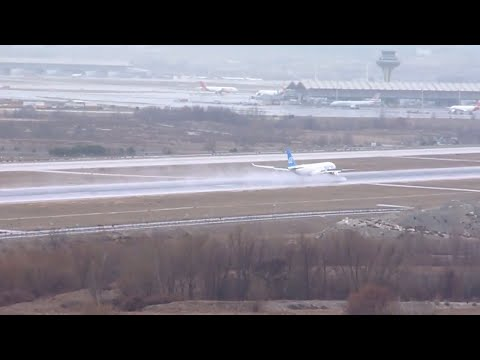 Air Europa A330 Landing at Barajas, Madrid (wet runway, windy day)