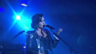 Warrior- Demi Lovato- Istanbul Ulker Sports Arena 16.11.2014