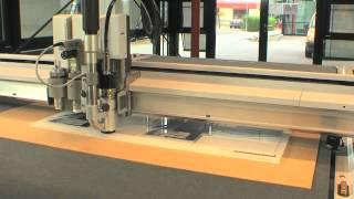 Grafitroniks - Zund - Repérage automatique des points + fraisage plastique rigide type PMMA