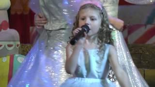 'Песенка про ёлочку'  - новогодний концерт 2016г.