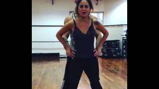Video: Qué asco! Una famosa se hizo pis mientras hacía un truco