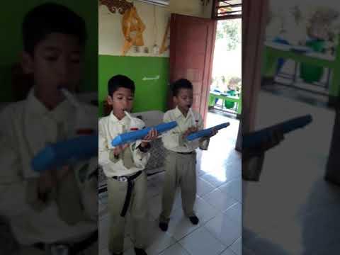 Indonesia Raya dengan pianika
