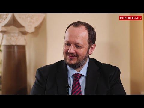 """Conferința """"Tânărul în cetate"""" - Conf. dr. Adrian Papahagi"""