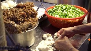 2019 Taiwanese Raohe night market street food Part 1 delicious pepper buns 台灣饒河夜市美食 胡椒餅
