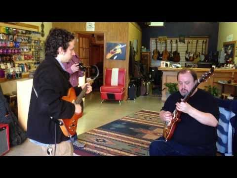Steve Rothery Playing The Solo To