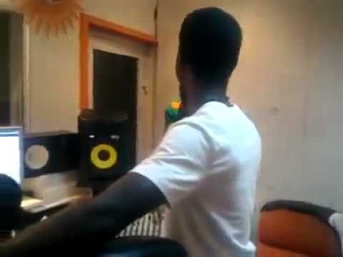 Sarkodie and castro in the Studio | Making a Beat 2015