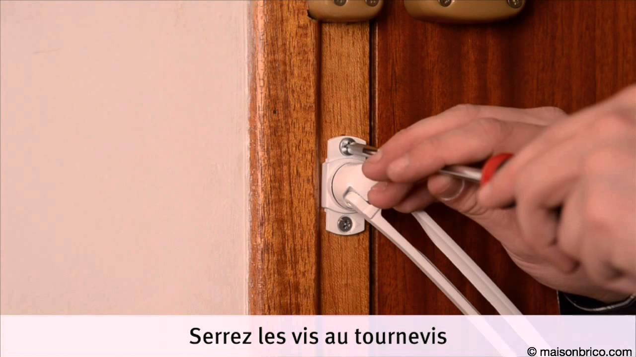 Installer Un Entrebâilleur De Porte YouTube - Porte placard coulissante jumelé avec installation de porte blindée