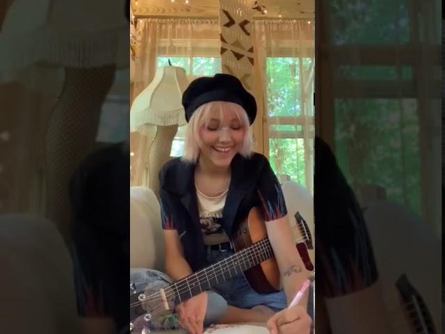 Grace VanderWaal -  Instagram Live - August 3, 2020