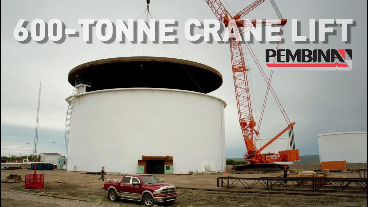 600 Tonne Crane Lifts A 190 Tonne External Floating Roof