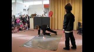 Lil Prophet & Diogo Breakdance in (Hoorn NH) op school OSB Wereldwijzer