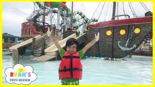 HUGE WATERPARK with Splash Pad and Waterslide Ride thumbnail