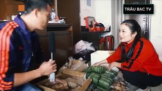 Văn Lâm xúc động khi ăn rau muống xào tỏi do CĐV tiếp tế