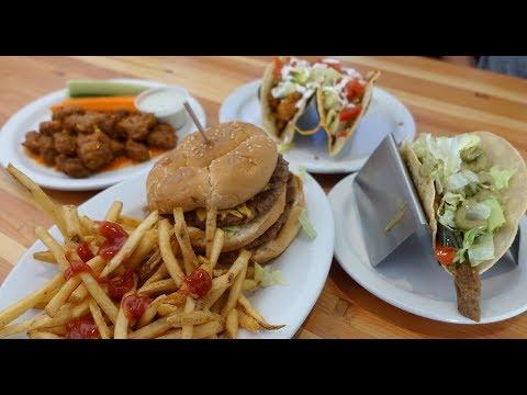 Vegan Comfort food on my Phoenix layover | Green New American Restaurant