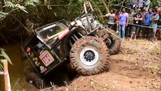 Performing V8 Monster Jeep . Isuzu 4*4 Extreme Off Road Vagamon