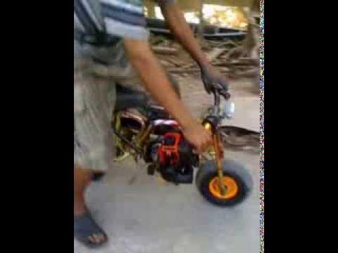 Xe máy cắt cỏ C1