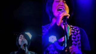 2011年3月25日に澁谷gee-geで行われたライブの模様を、 4枚目のアルバム「ひやじょう」から「月の宝石」をBGMに。 (この日のライブ音源ではありません) 「月の宝石」 ...