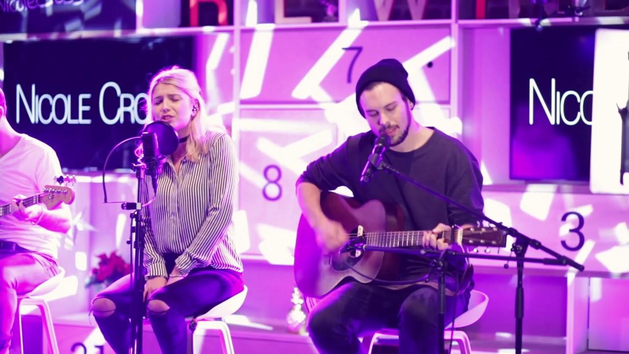 Nicole Cross - Wake Me Up by Avicii (LIVE @YouTubeSpace Berlin ...