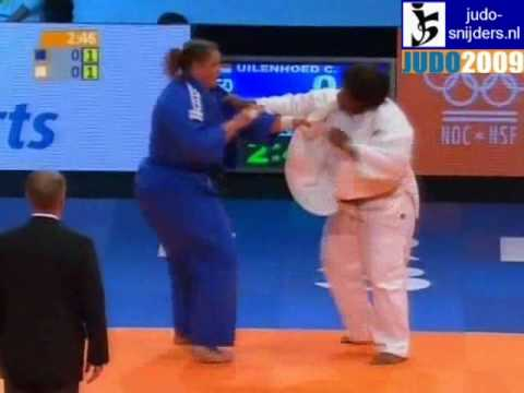 Judo 2009 Rotterdam: Carola Uilenhoed (NED) - Aminata Diatta (SEN) [+78kg].