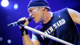 IRON MAIDEN concert The Final Frontier world tour berlin 2 Minutes to midnight [HD]