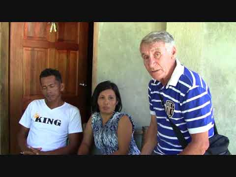 PASTOR TIMIO'S WIFE CRIED OF HAPPINESS OF THE THOUGHTS AND PRAYERS RECEIVES 5000 PESOS FROM YBARRA