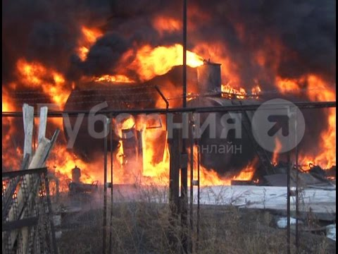 Цистерны с дизельным топливом загорелись на автозаправочной станции в Хабаровске. MestoproTV