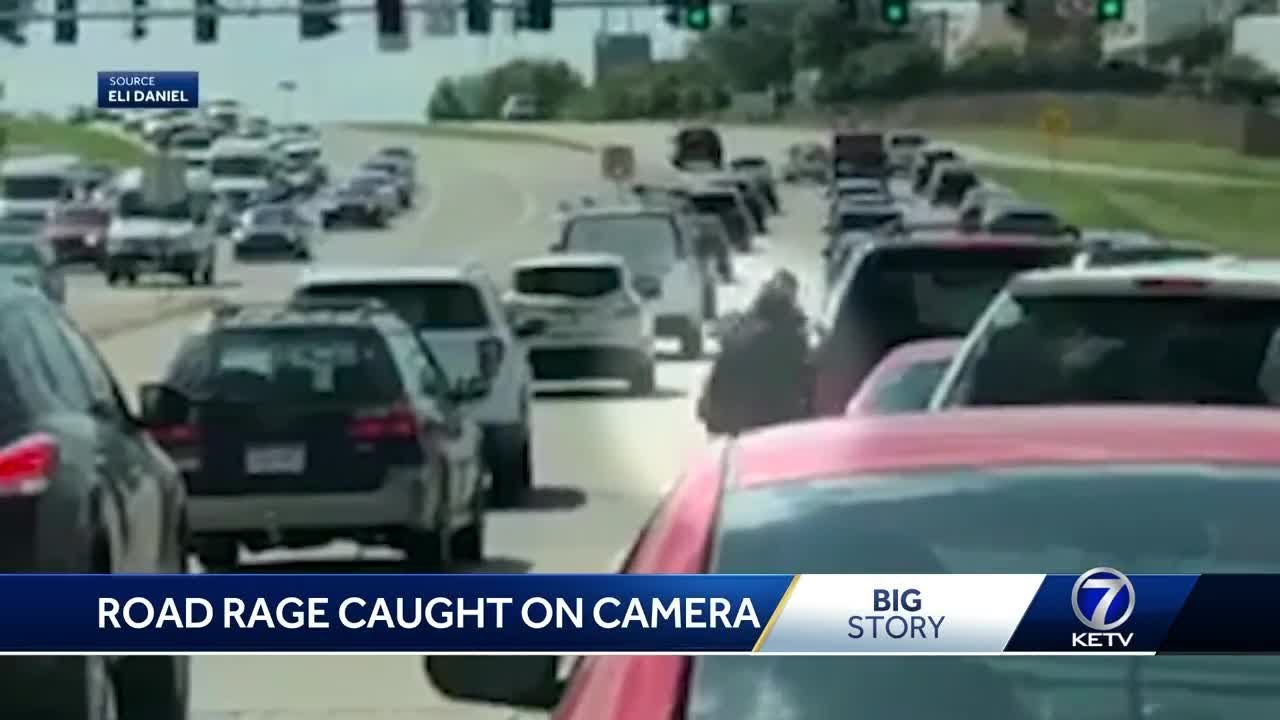 Video: Bizarre moment totally naked woman has road rage