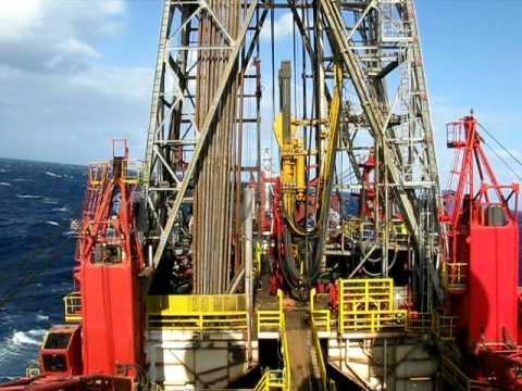 drillship rolling