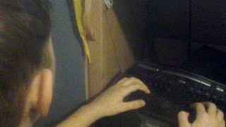 Артём учится печатать на клавиатуре по программе СОЛО(Мои дети, когда пришли в первый класс, уже умели бегло читать, считать на русском, английском, немецком, фран..., 2015-02-12T19:05:47.000Z)