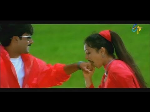 Nuvve Kavali Movie Songs - Ekkada Vunna -  Tarun,Richa,Sai Kiran