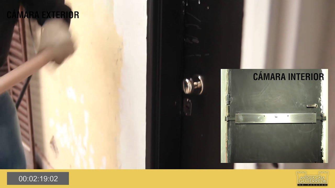 puertas blindadas y tranca de seguridad antigua casa