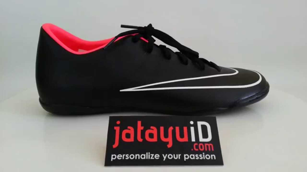 NIKE Mercurial Victory V IC - Black Hyperpunch White - YouTube a706523a5