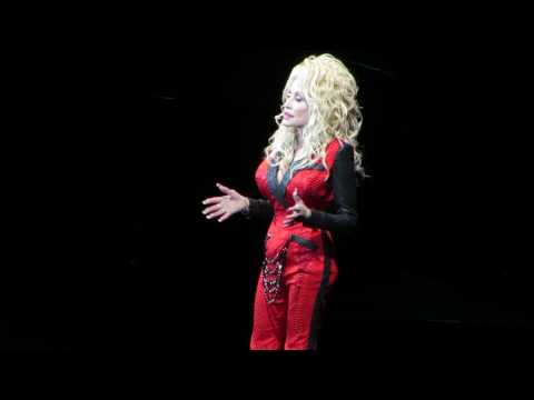 I Will Always Love You - Dolly Parton Live at Forest Hills, NY - 6/25/16
