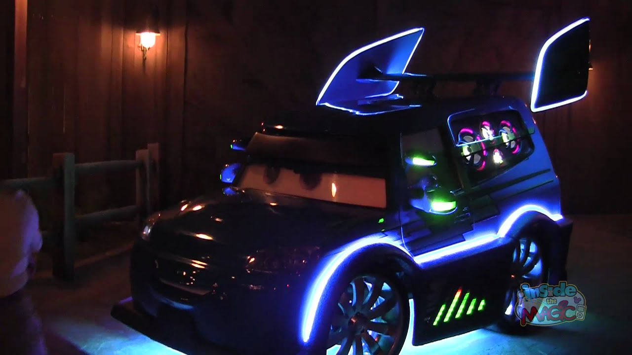 Toy Cars That You Can Drive >> DJ meets, greets, and plays tunes in Cars Land at Disney ...