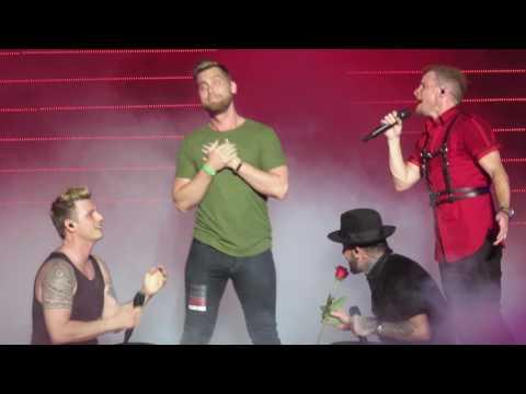 Backstreet Boys, Las Vegas, Shape of My Heart with Lance Bass
