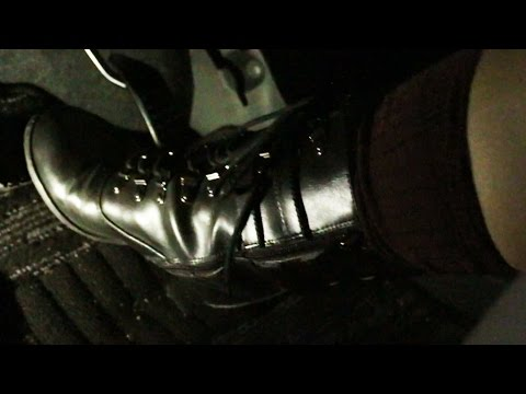 Japanese girls driving in short heel boots pedal pumping ブーツで運転