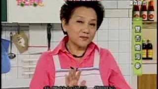 【材料】:海參12兩、杏鮑菇4兩、銀杏20顆、蔥3支、薑3片、紅蘿蔔7-8片...