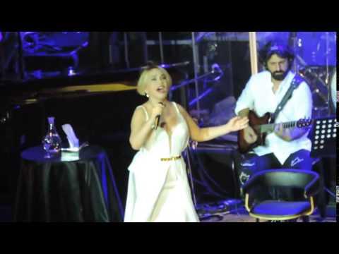 Sezen Aksu - Gidiyorum ( Harbiye Konseri -2014 )