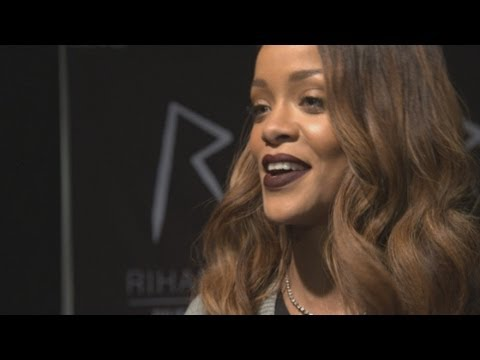 London Fashion Week 2013: Rihanna On Her River Island Collection