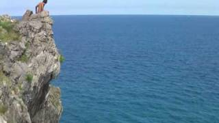salto de 30 metros en Ballota(Llanes)
