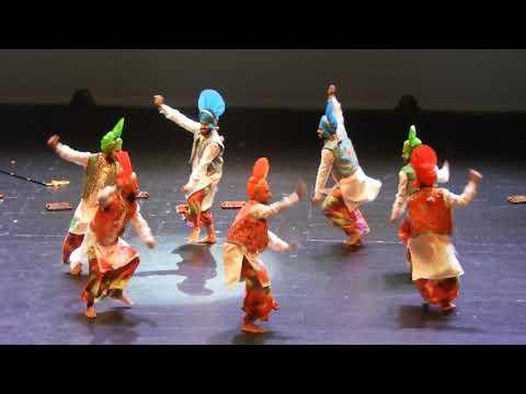 Bhangra (ਭੰਗੜਾ/بھنگڑا ) dance @ Namaste Canada 2017