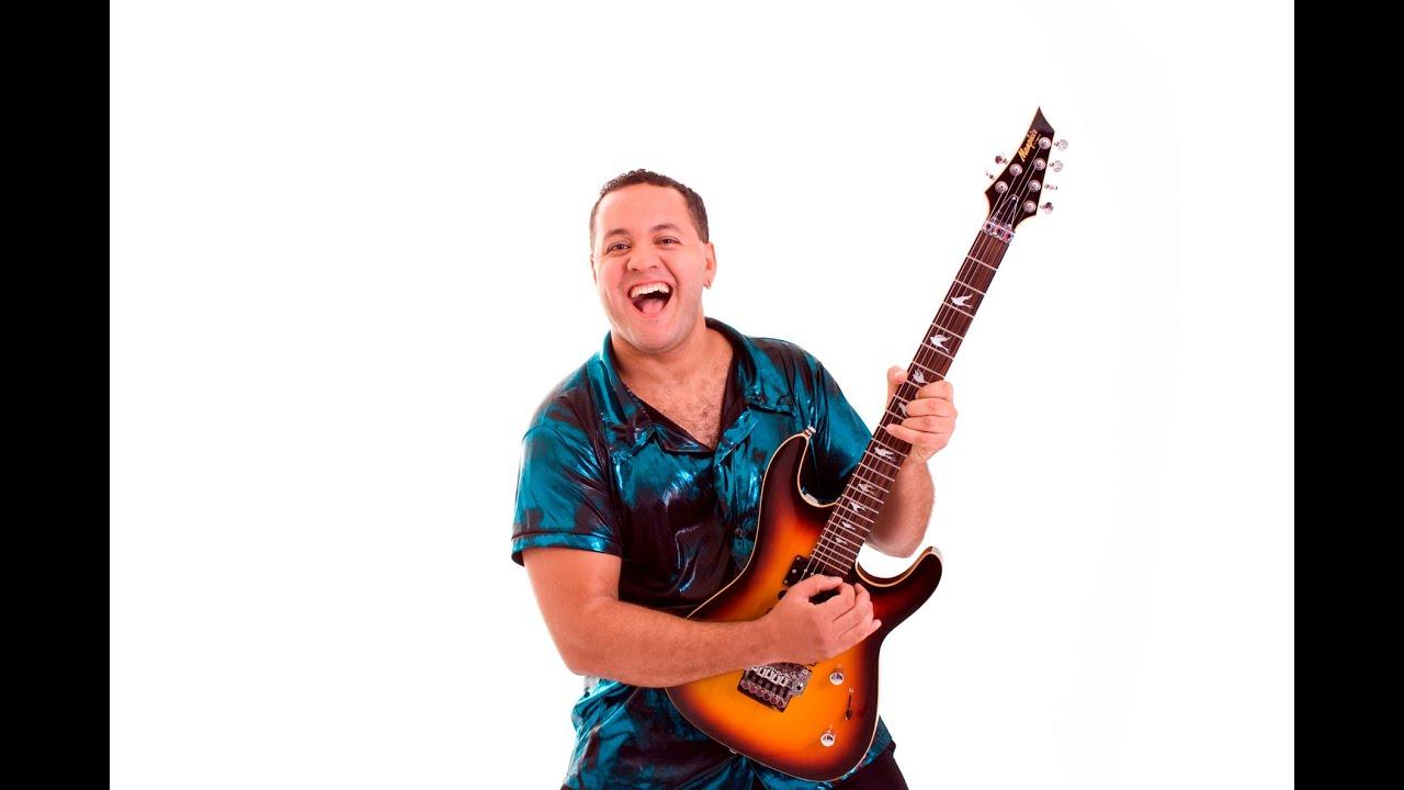 Lu Morales -  Guitar Performance