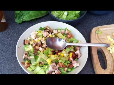 how-to-make-a-chipotle-style-salad-bowl-at-home