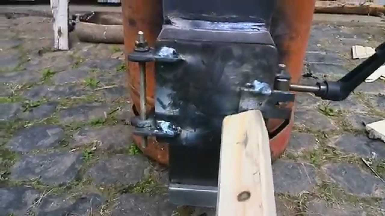 rocket stove first run raketenofen erster lauf youtube. Black Bedroom Furniture Sets. Home Design Ideas
